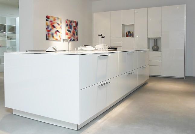 warendorf musterk che design in perfektion wei e lackk che mit insel ausstellungsk che in. Black Bedroom Furniture Sets. Home Design Ideas