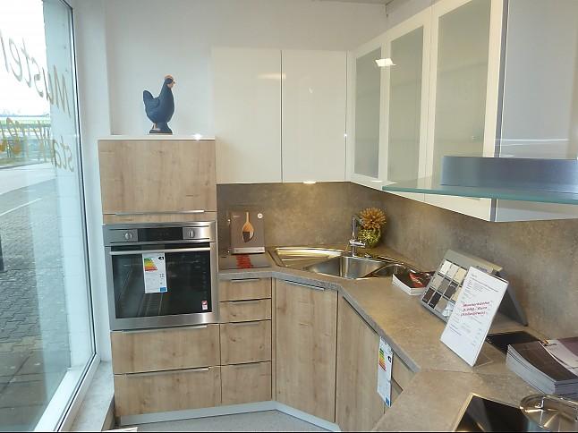 Küche küche weiß eiche : Häcker-Musterküche L-Küche Eiche Cornwall kombiniert mit ...