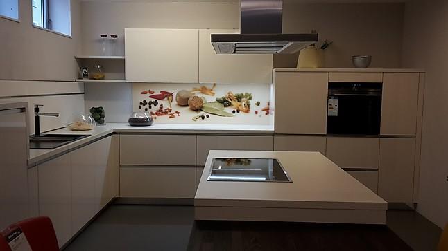 Schüller-Musterküche Moderne Einbauküche Uni Gloss ...