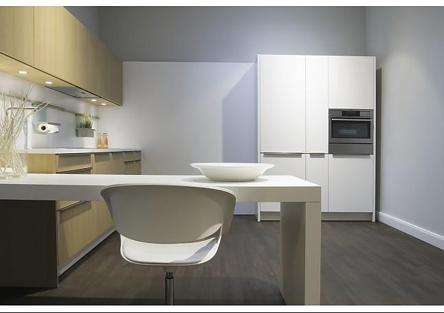 siematic musterk che weiss direktbeschichtet mit eiche natur echtholz ausstellungsk che in. Black Bedroom Furniture Sets. Home Design Ideas