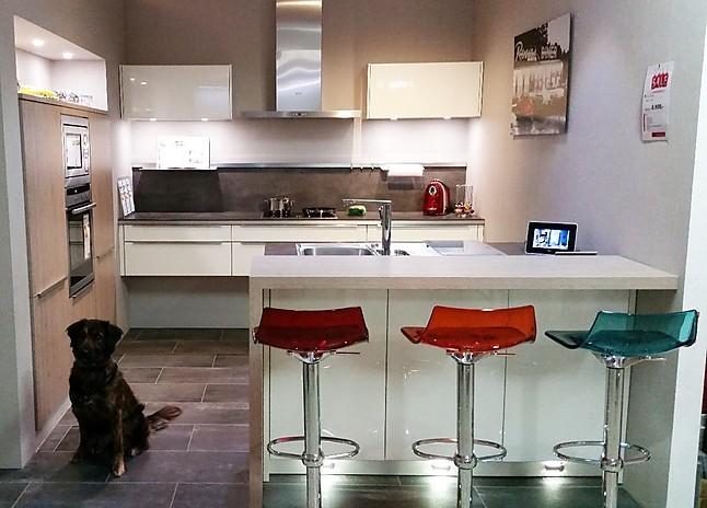 Häcker av 4030 lack weiß hochglanz hochwertige designküche systemat