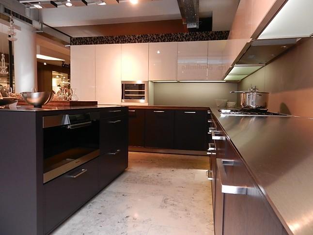 allmilm musterk che moderne interpretation von holz und glas k che als lebensraum. Black Bedroom Furniture Sets. Home Design Ideas