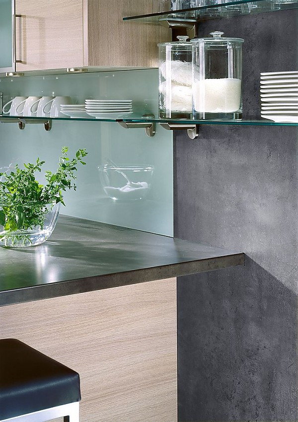 nischenr ckwand aus plexiglas und tablartr ger aus glas. Black Bedroom Furniture Sets. Home Design Ideas