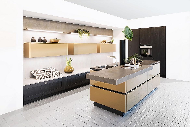 Inselküche Iron Goldrush und Informa Verde
