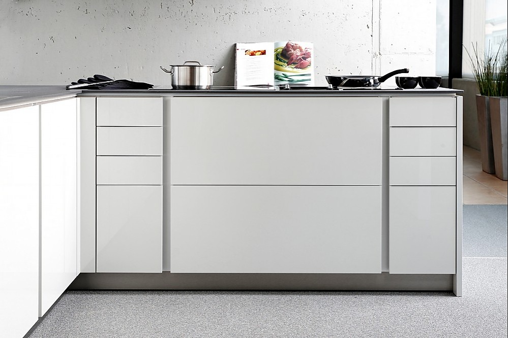 Grifflose küchenunterschränke integra altea in hochglanz weiß
