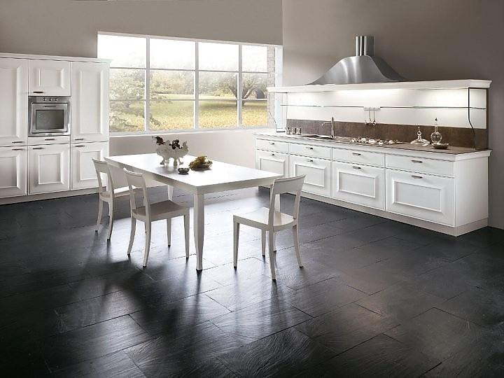 Küchenzeile landhausstil weiß  L-Form Küche in Karminrot im Landhausstil