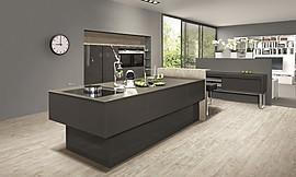 inselk che in metall und schiefer. Black Bedroom Furniture Sets. Home Design Ideas