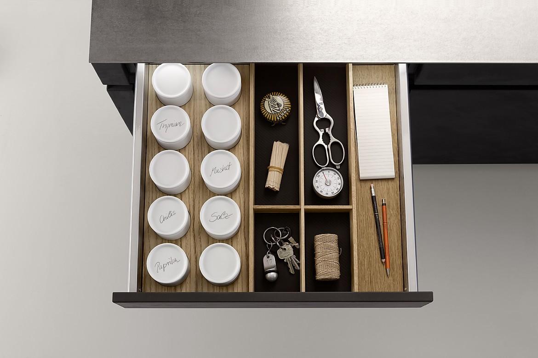 q box mit gew rzdosen und einteilung. Black Bedroom Furniture Sets. Home Design Ideas