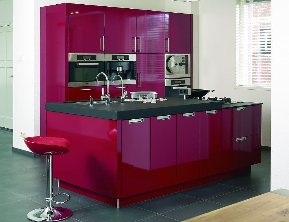 Inselküche Arcolor rot glänzend