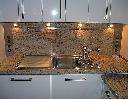 Designarbeitsplatte Und Nischenruckwand Aus Granit