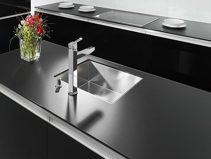 Glas arbeitsplatte küche  Glasarbeitsplatten für die Küche | Arbeitsplatten bei KüchenAtlas