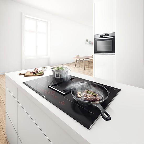 bosch induktionskochfeld mit integriertem dunstabzug. Black Bedroom Furniture Sets. Home Design Ideas