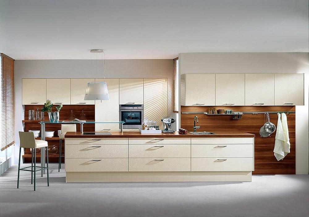 inselk che und ger tehochschr nke in magnolie regale arbeitsplatte und r ckwand in holzdesign. Black Bedroom Furniture Sets. Home Design Ideas