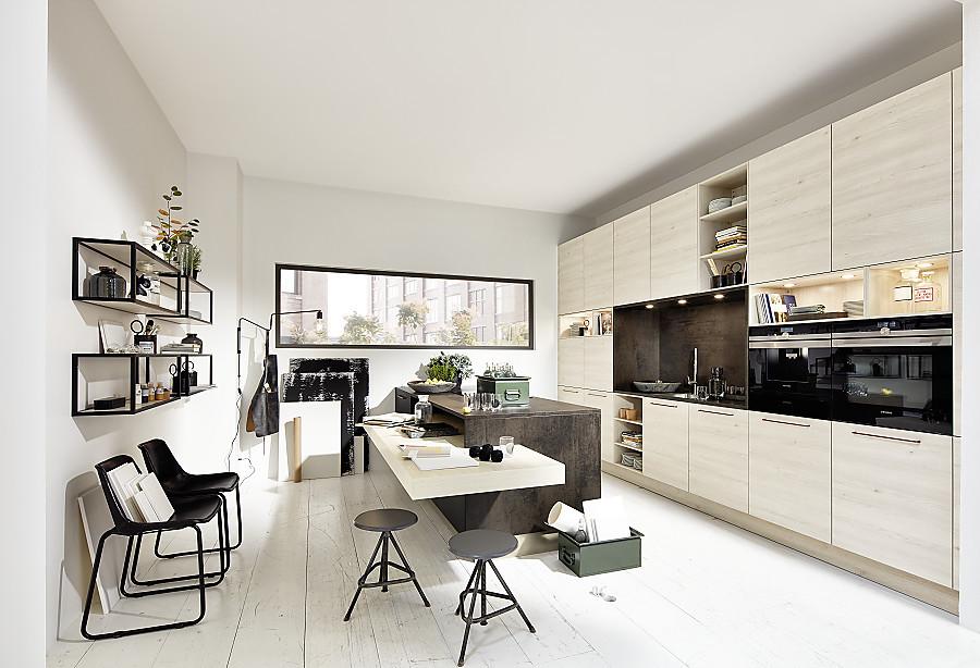 helle holzfronten und wohnliche details in der loftk che. Black Bedroom Furniture Sets. Home Design Ideas