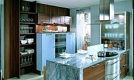 L-Form-Küche mit Insel schwarz-weiß | {Moderne küchen mit insel schwarz 30}