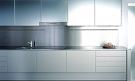 l form k che mit theke in hochglanz kieselgrau. Black Bedroom Furniture Sets. Home Design Ideas