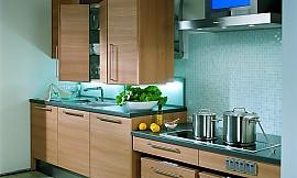 klassische offene k chenzeile torino aus erle massiv. Black Bedroom Furniture Sets. Home Design Ideas