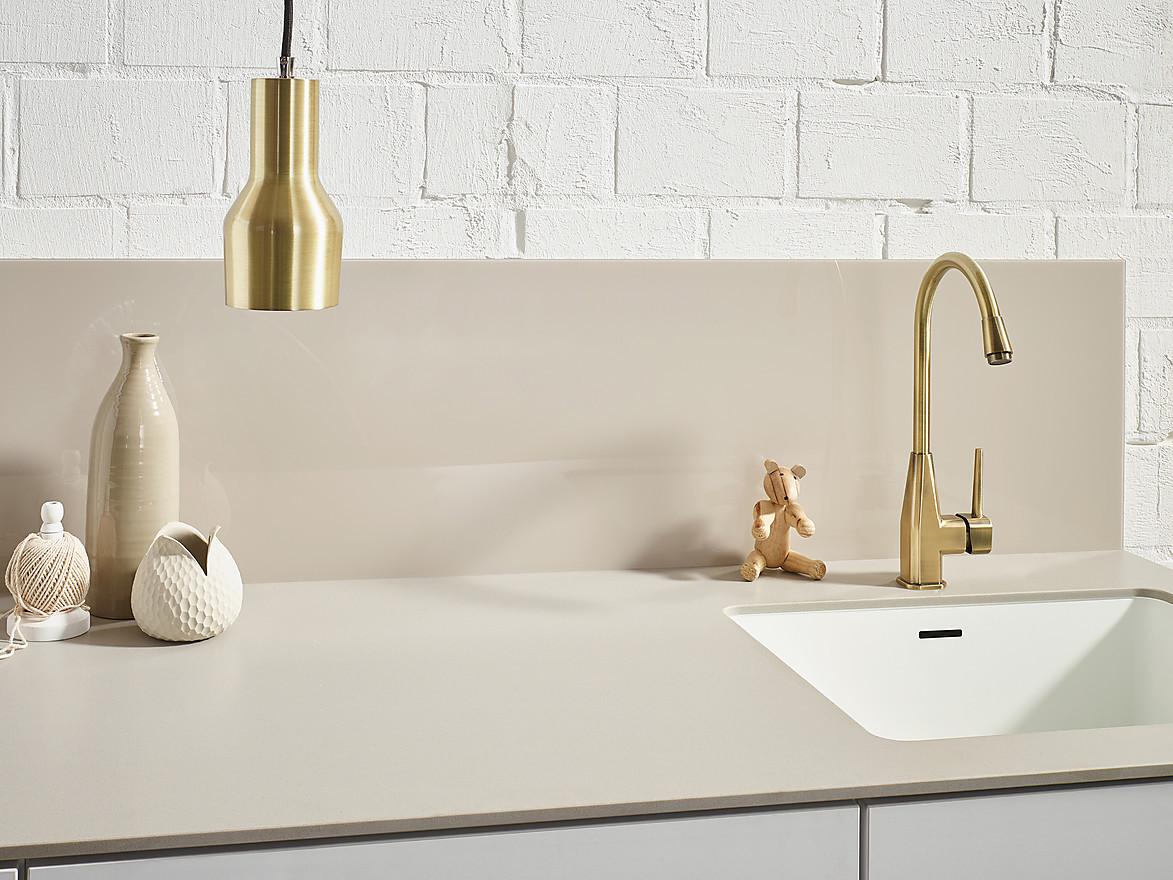 Küchenrückwand im Design der Arbeitsplatte
