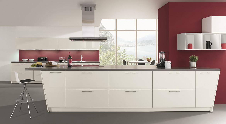 Individuelle küchenplanung  Individuelle Küchenplanung mit abgeschrägten Unterschränken