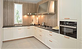 Fabulous Schöne, grüne Landhausküche in L-Form geplant IJ96