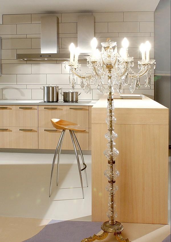 Küchenzeile Finca Saturn in hellem Holz mit Theke