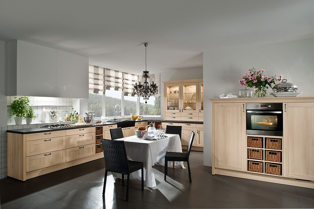 Gemutliche und moderne landhauskuche in l form for Moderne landhausküche