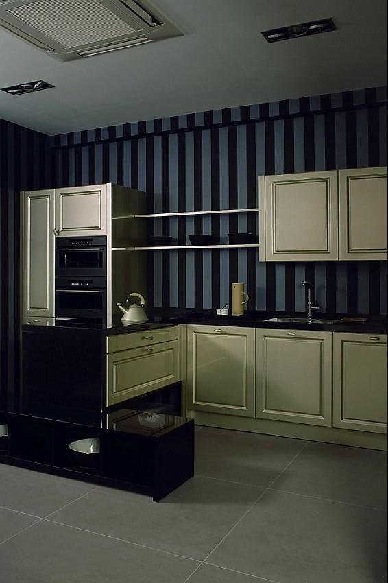l form k che provence in hochglanz champagner mit hochschr nken t ren mit rahmenprofil. Black Bedroom Furniture Sets. Home Design Ideas