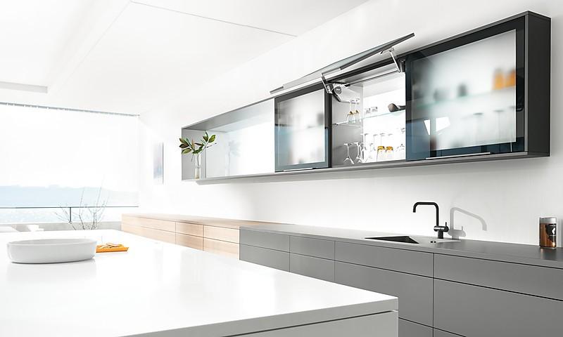 Küchenoberschränke blum aventos klappenbeschläge für den hängeschrank
