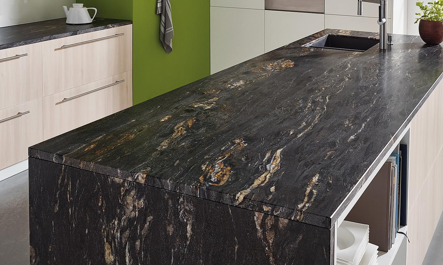 Natursteinarbeitsplatten im KüchenAtlas Arbeitsplatten-Extra