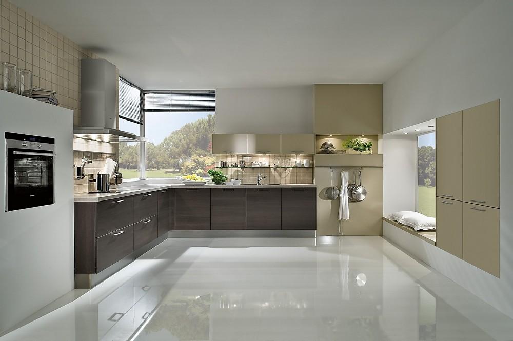 L küchen  L-Küche mangogelb mit weiß kombiniert