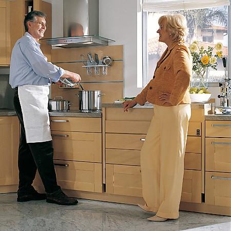 barrierefreie k chenplanung so werden zug ngliche k chen gebaut. Black Bedroom Furniture Sets. Home Design Ideas