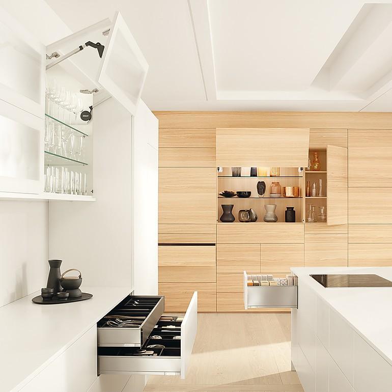 Küchenausstattung und Beschläge | Auszüge, Scharniere & Co.