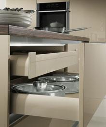 k chenschr nke bersicht ber die k chen schranktypen. Black Bedroom Furniture Sets. Home Design Ideas